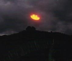 UFO_Tepoztlan_Mexico_Carlos_Diaz_1992-400md